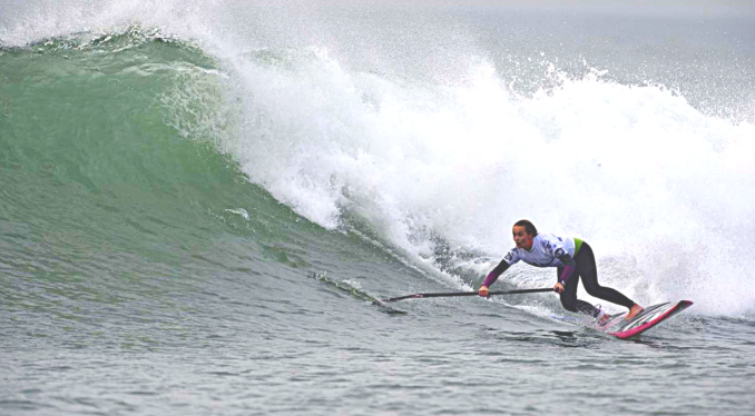 women Stand Up Paddle Surfing